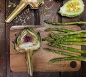 Artochoke和aspargus 免版税库存照片