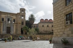 Artorana und Marktplatz Bellini, Palermo, Sizilien, Italien stockfoto