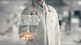 Arts die in hand Alzheimer ` s en Zwakzinnigheidspreventie houden stock illustratie