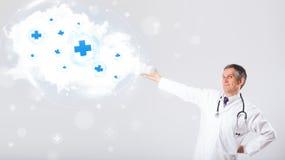 Arts die wolk met medische tekens luisteren samen te vatten Royalty-vrije Stock Afbeelding