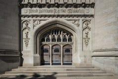 Arts et métiers et styles architecturaux gothiques dans l'archi de Chicago Photos libres de droits
