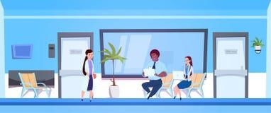 Arts Female Giving Results van Diagnose en Onderzoek aan de Mens en Vrouw in het Ziekenhuis vector illustratie