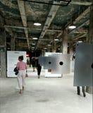 arts Les gens Art Gallery d'AkT L'art final d'exposition jusqu'au minuit de l'exposition images stock