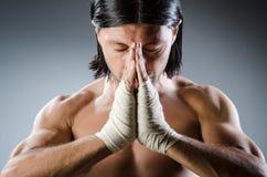 Arts martiaux déchirés photographie stock