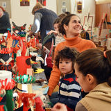 Arts traditionnels et atelier de métiers pour des enfants Photo stock