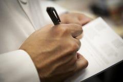 Arts Writing Prescription voor Patiënt royalty-vrije stock foto