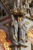 Artsen van de Kerk, standbeelden op het belangrijkste altaar in de kathedraal van Zagreb stock fotografie