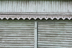 artsy περιποίηση ντεκόρ και κλασικό παλαιό ξύλινο σπίτι τριγωνικά σχέδια και ξύλινο τυρκουάζ χρώμα σύστασης Στοκ Φωτογραφία