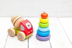 Żartuje drewniane zabawki Ekologiczne drewniane zabawki Fotografia Royalty Free