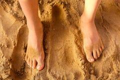 Żartuje stopę na piasku jako terapia przeciw Fotografia Royalty Free