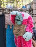 Artyści w lala kostiumach bawić się na scenie dla gości przy rocznego festiwalu ` rycerzy Jerozolimski ` fotografia royalty free