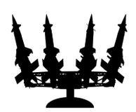 Artyleryjskiej wyrzutni rakietowej sylwetki wektorowa ilustracja Rakietowa przewoźnik platforma z jądrową bombą Test jądrowy, woj royalty ilustracja