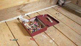 Artystów narzędzia dla rysować Obraz, twórczość Pudełko pastelowi ołówki jest na podłodze 4K zbiory