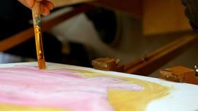 Artysta farby obrazują grafiki kanwę w sztuki studiu Obrazy Stock
