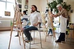 Artysta Pozuje w studiu fotografia royalty free