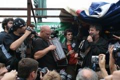 Artysta Yuri Shevchuk śpiewa przy wiecem w obronie Khimki lasu Zdjęcie Stock