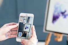 Artysty blogger twórczości blogging remis bierze fotografię Zdjęcie Stock