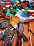 Artysty pallete i muśnięcia - akrylowy artystyczny obrazy royalty free