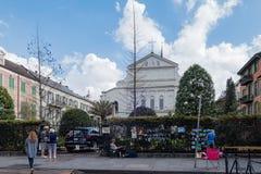 Artysty sprzedawania sztuki praca na Królewskiej ulicie Zdjęcia Royalty Free