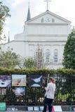 Artysty sprzedawania sztuki praca na Królewskiej ulicie Obraz Stock