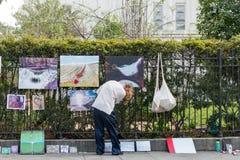 Artysty sprzedawania sztuki praca na Królewskiej ulicie Fotografia Stock