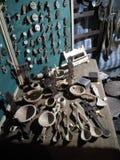 Artystyczne łyżki i krzyża pokaz Fotografia Stock
