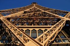 Artystyczny geometryczny projekt wieża eifla, Paryż ` duma Paryski ` z unikalnym punktem widzenia Zdjęcie Stock