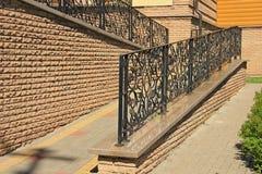 Artystyczny skucie, metalu dokonanego żelaza ogrodzenie fotografia stock