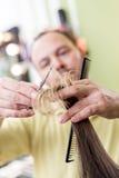 artystyczny tnący włosiany hairdress ilustraci wektor Obrazy Stock