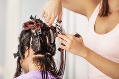 artystyczny tnący włosiany hairdress ilustraci wektor Fotografia Stock