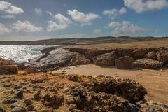Aruba landskap i den atlantiska sidan Royaltyfri Fotografi