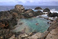 Aruba: Natürliches Pool Stockfotos
