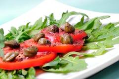 arugul雀跃新鲜的沙拉蕃茄 免版税图库摄影