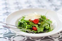 Arugula και σαλάτα ντοματών Στοκ Φωτογραφίες