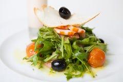 Arugula και srimps σαλάτα Στοκ Εικόνες