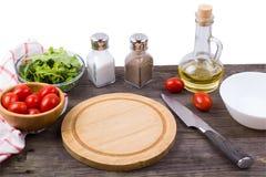 Arugula, πράσινα, ντομάτες και καρυκεύματα Στοκ φωτογραφία με δικαίωμα ελεύθερης χρήσης