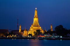 arun ναός Ταϊλάνδη αυγής της Μπ&alph Στοκ Φωτογραφίες