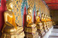 Arun Bangkok del wat delle statue di Buddha immagini stock libere da diritti