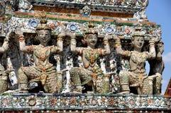 arun bangkok figures khongthailand wat Royaltyfria Foton