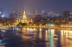 Arun di Wat o Temple of Dawn alla notte, Bangkok Fotografia Stock