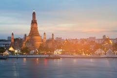 Arun temple river front at twilight, Bangkok Thailand Stock Photos