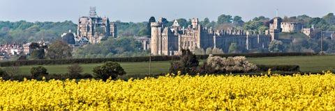 ARUNDEL, HET WESTEN SUSSEX/UK - 21 APRIL: Mening van Arundel-Kasteel in A Royalty-vrije Stock Fotografie
