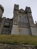 arundel slottengland ängar som omger sussex, visade västra fotografering för bildbyråer