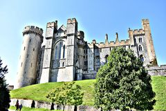 arundel slottengland ängar som omger sussex, visade västra royaltyfri foto