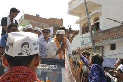 Arvind Kejriwal, der für Dr. kämpft Kumar Vishwas Lizenzfreies Stockbild