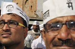 Arvind Kejriwal, der für Dr. kämpft Kumar Vishwas Stockbilder
