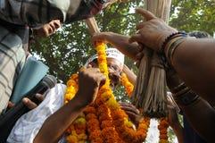 Arvind Kejriwal under ett val samlar i Indien Arkivfoto