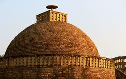 Arvkupol på Sanchi Stupa royaltyfri foto
