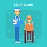 Arzt With Senior Man auf Rollstuhl glücklicher alter männlicher behinderter lächelnder Sit On Wheelchair Disability Concept stock abbildung