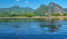 As águas azuis do Mekong River poderoso imagem de stock